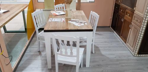 mese-din-lemn-de-bucatarie-9